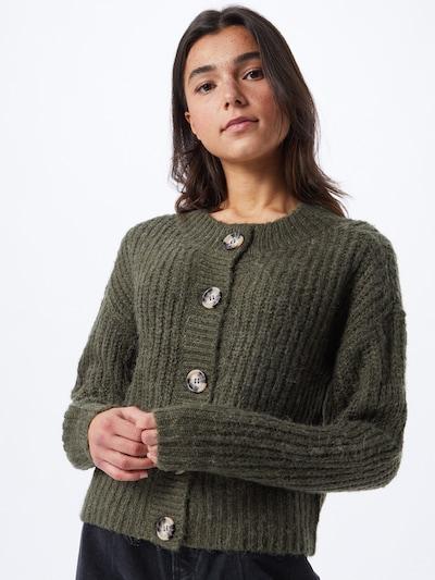 JACQUELINE de YONG Strickjacke 'PANTHER' in dunkelgrün, Modelansicht