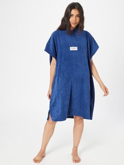 PARI Peignoir long 'SWIM CLUB' en bleu, Vue avec modèle