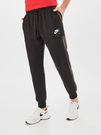 Nike Sportswear Hose in dunkelgrau / schwarz / weiß, Modelansicht
