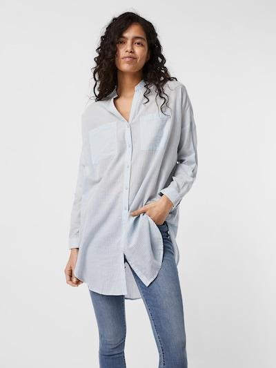 VERO MODA Tunika 'Isabell' in hellblau / weiß, Modelansicht