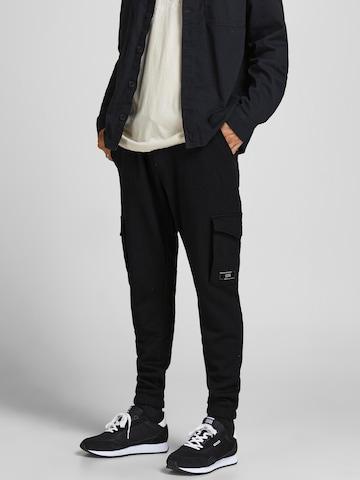 JACK & JONES Cargo nadrágok 'Gordon' - fekete