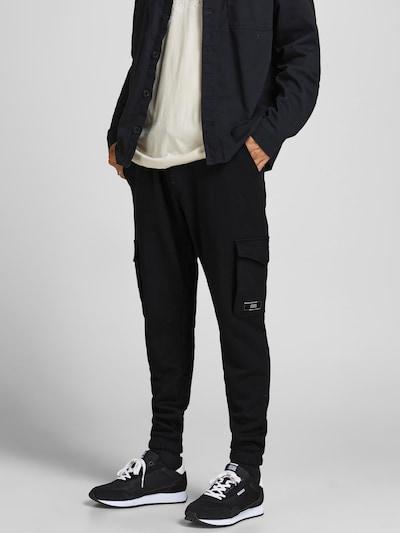 Pantaloni cu buzunare 'Gordon' JACK & JONES pe negru, Vizualizare model
