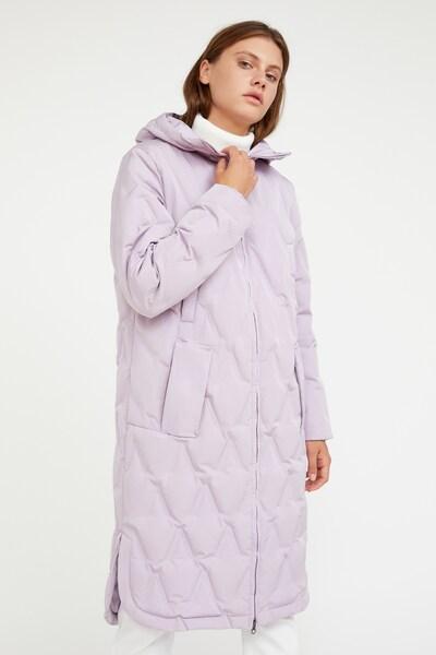Finn Flare Wintermantel in de kleur Lila, Modelweergave