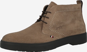 TOMMY HILFIGER Chukka Boots in Beige