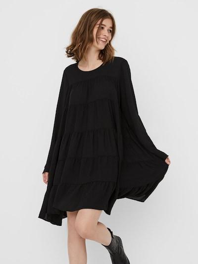 VERO MODA Langärmelige Tunika in schwarz, Modelansicht