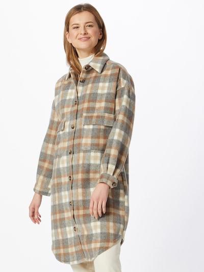 Cream Prijelazna jakna 'Tara' u svijetlobež / siva / bijela, Prikaz modela