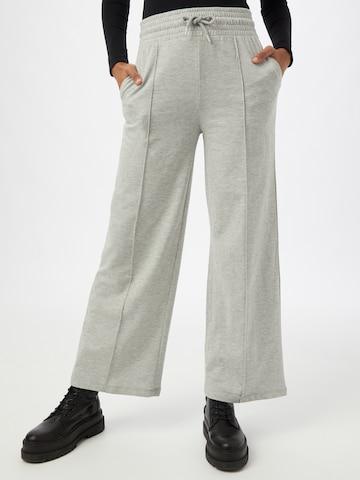 NEW LOOK Plissert bukse i grå