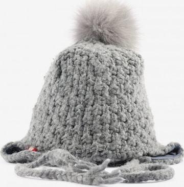 NAPAPIJRI Hat & Cap in XS-XL in Grey