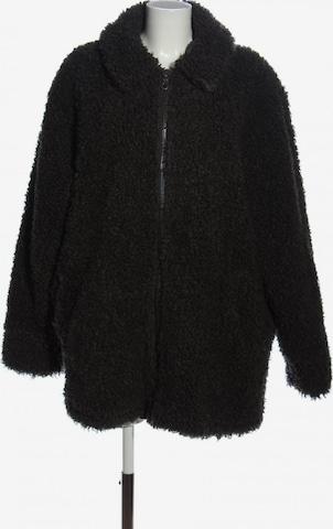 WEEKDAY Jacket & Coat in L in Black