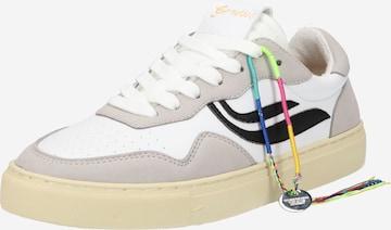 GENESIS Sneakers 'G-Soley' in White