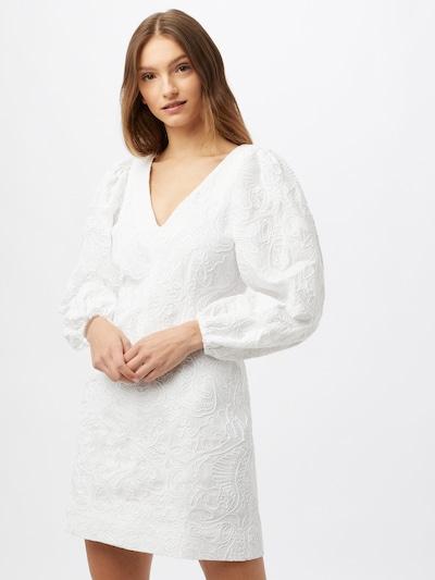 Rochie 'Anai' Samsoe Samsoe pe alb, Vizualizare model