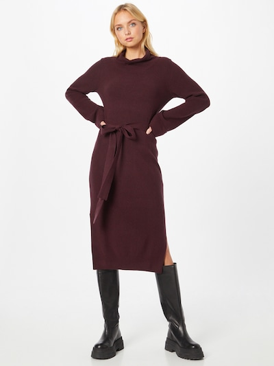 Megzta suknelė iš GAP, spalva – vyšninė spalva, Modelio vaizdas