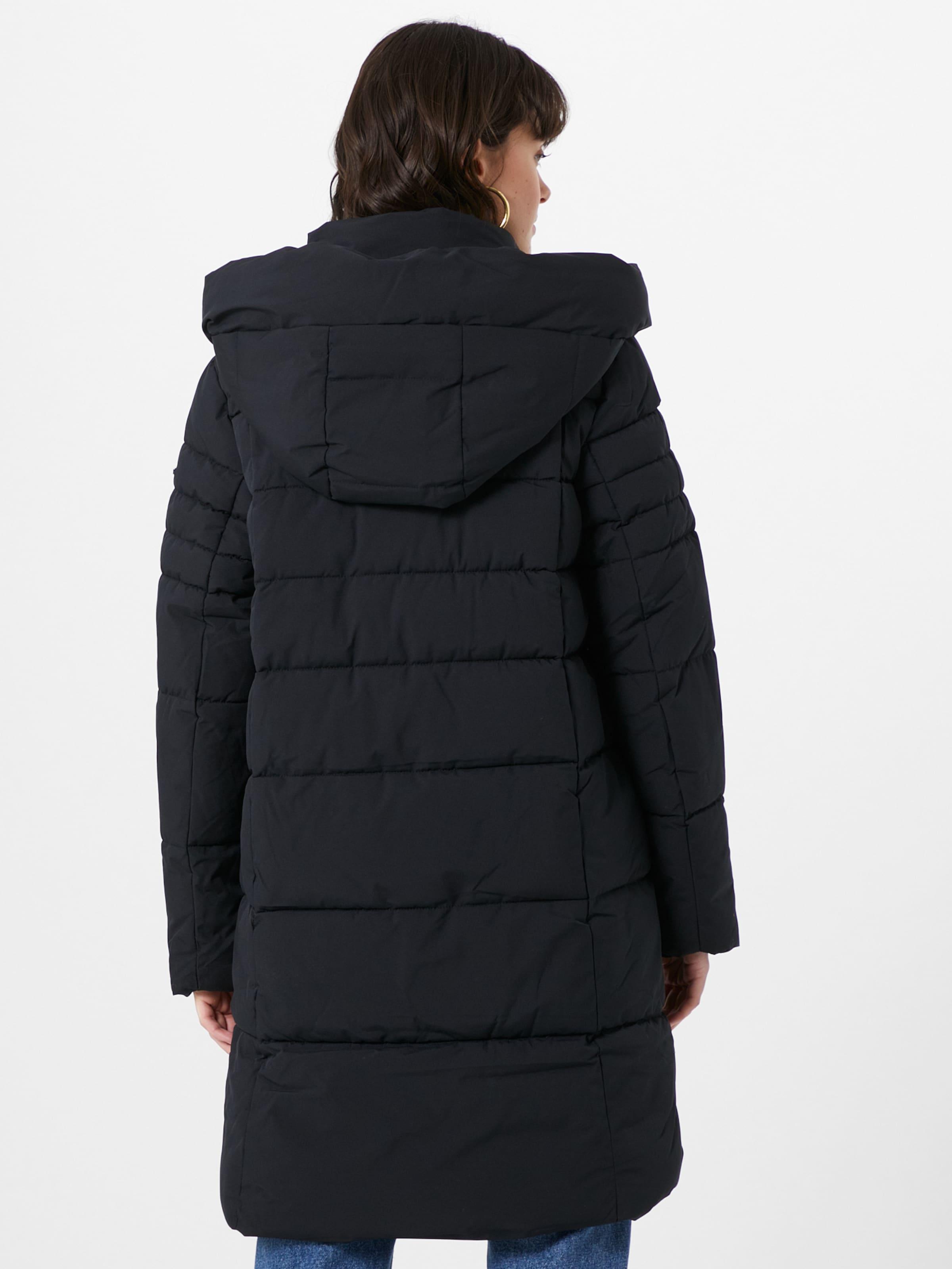 ESPRIT Télikabátok fekete színben