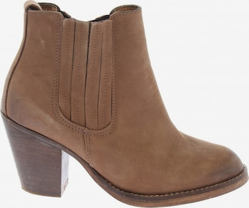 Topshop Dress Boots in 36 in Brown