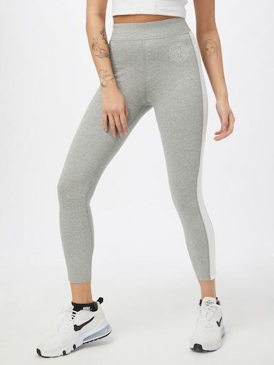 Nike Sportswear Leggings in grau / weiß, Modelansicht