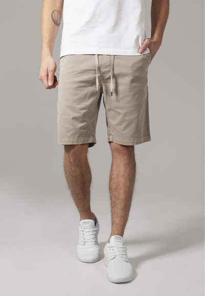 Urban Classics Shorts in camel, Modelansicht