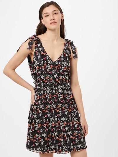 Trendyol Kleid in dunkelorange / rot / schwarz / weiß, Modelansicht