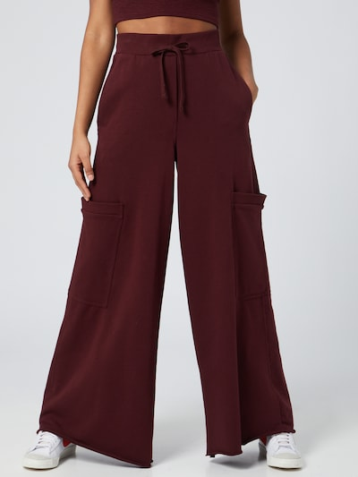 WEEKDAY Cargo trousers 'Alice' in Wine red, View model
