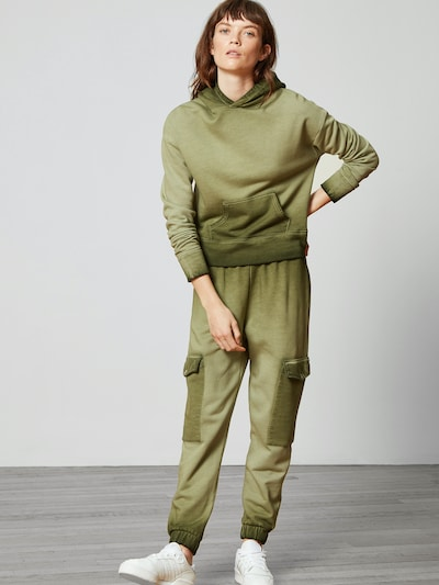 Aligne Hose 'Anya' in khaki, Modelansicht