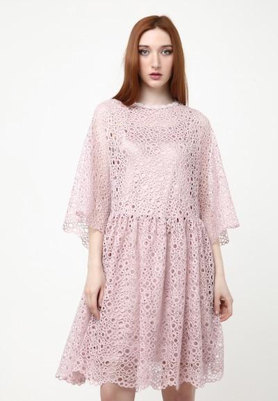 Madam-T Kleid 'Adamasa' in mauve, Modelansicht