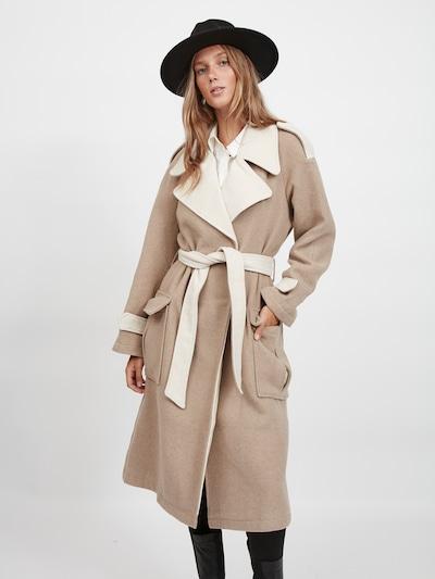 VILA Mantel 'Macaia' in creme / hellbraun, Modelansicht