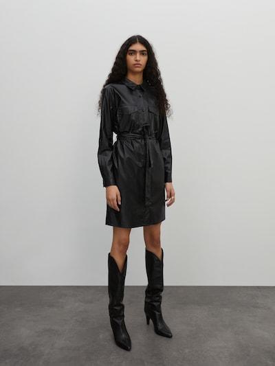 EDITED Košeľové šaty 'Farha' - čierna, Model/-ka