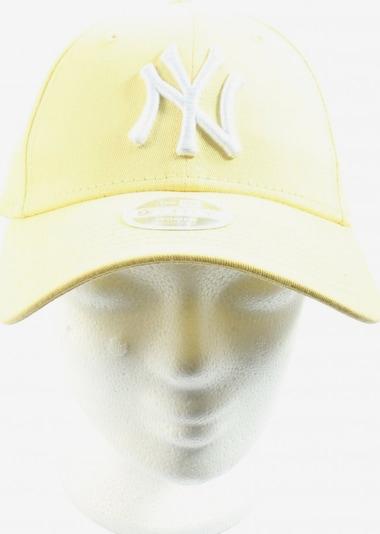 NEW ERA Basecap in XL in pastellgelb / weiß, Produktansicht