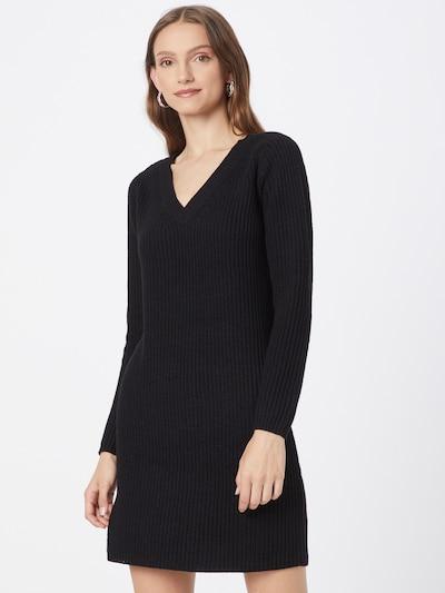 ONLY Stickad klänning 'MELTON' i svart, På modell