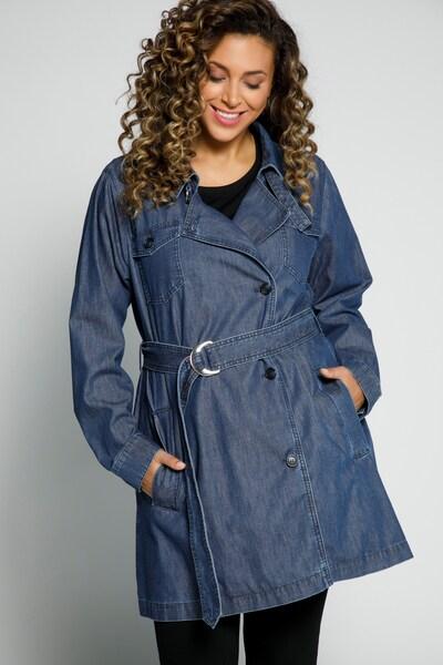 Ulla Popken Trenchcoat in blue denim, Modelansicht