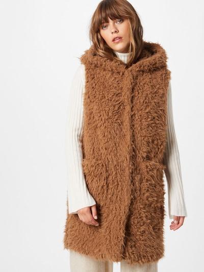 Amber & June Vest in Light brown, View model