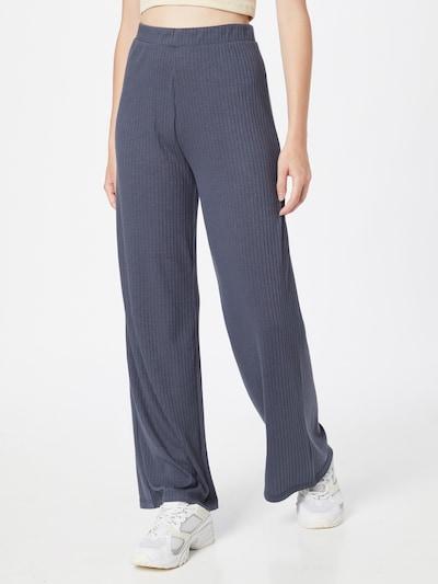PIECES Pantalon 'Molly' en bleu-gris, Vue avec modèle