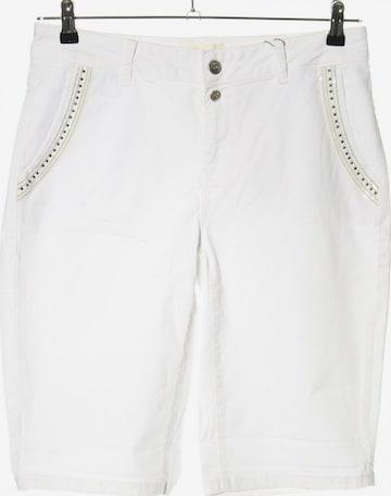 Cartoon Shorts in L in White
