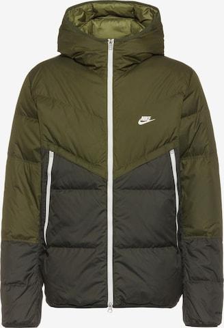 Nike Sportswear Jacke in Grün